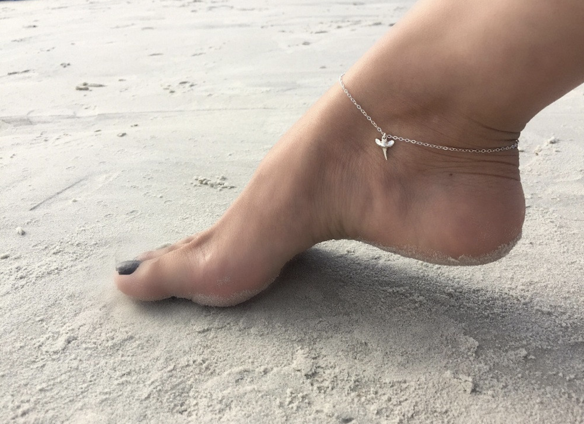 shark tooth ankle chain silver