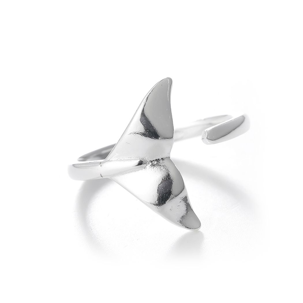 Adjustable silver whale tail ring