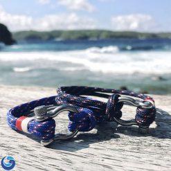 Paracord Shackle Bracelet