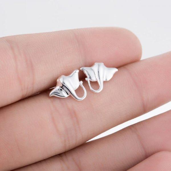 studs earrings manta ray