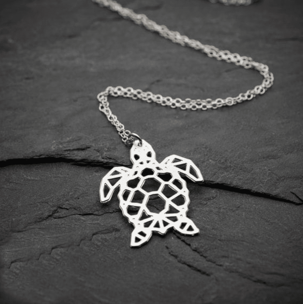 This Sea turtle neecklace is thee perfect gift for a Sea Turtle lover