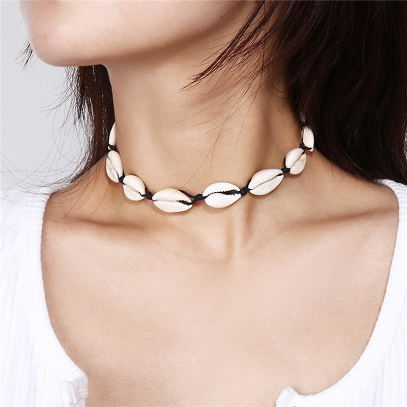 Cowrie Shell Choker Necklace-min