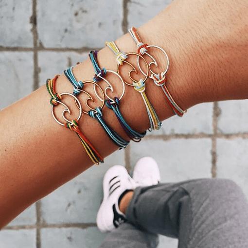 Surfing bracelet
