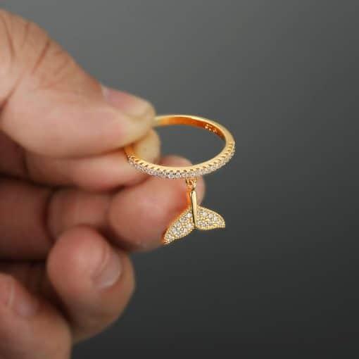 Gold Beluga Tail Ring